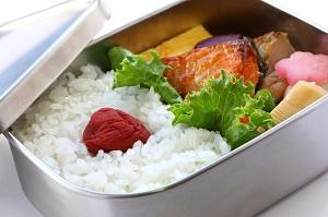 日本の「お弁当」にはなぜご飯の上に梅干しが乗っているの? =中国メディア