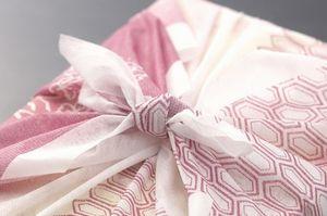 たった1枚の布切れで何でも包め、見た目の美しさも追及する 日本の「風呂敷文化」=中国メディア