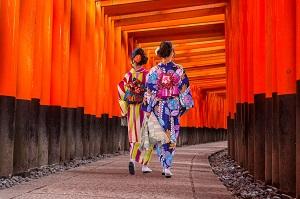 伏見稲荷大社が最高! だが「日本文化に浸ろうにも中国人の影が・・・」=中国メディア