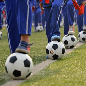 こんなことをやってるから中国はサッカーが弱いんだ・・・外国メディアが衝撃を受けた小学生の「サッカー体操」