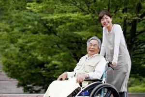 「こんなに細やかなサービスが受けられるなんて!」日本の介護はどうしてこんなにレベルが高いの?=中国メディア