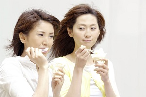 日本でも「歩き食い」が全部ダメなわけではない、大事なのは「配慮」だ=中国メディア