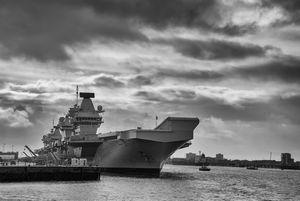 英空母がインド太平洋地域に常駐の可能性だと? それは「面倒だ」=中国