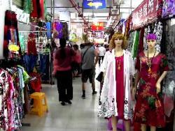【コラム】中国経済は「投資から消費へ」の構造転換を迫られている
