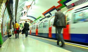 英国人の目に映った日英中の電車や地下鉄、日本は「混雑しているのに静か」=中国報道