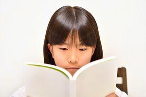 タイの空港で飛行機を待つ日本人学生50人が読書・・・勤勉さを見習わねば=香港メディア